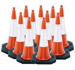 Road Cones :: 100 Pack 1m Dominator Cones